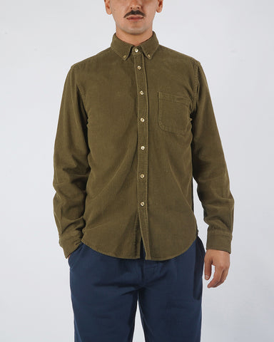 corduroy shirt olive green model front
