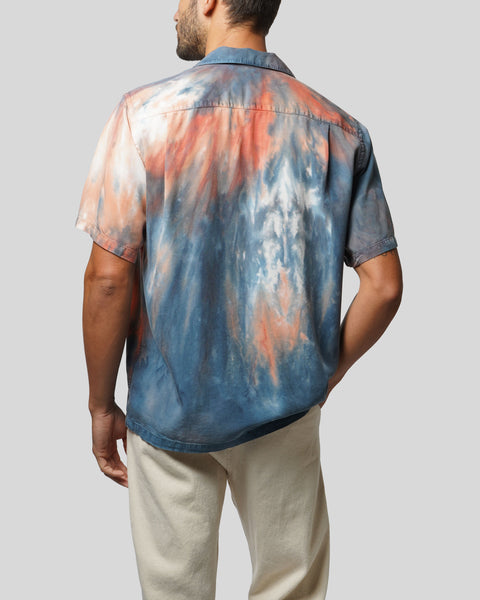 tie dye blue red short sleeve shirt model back