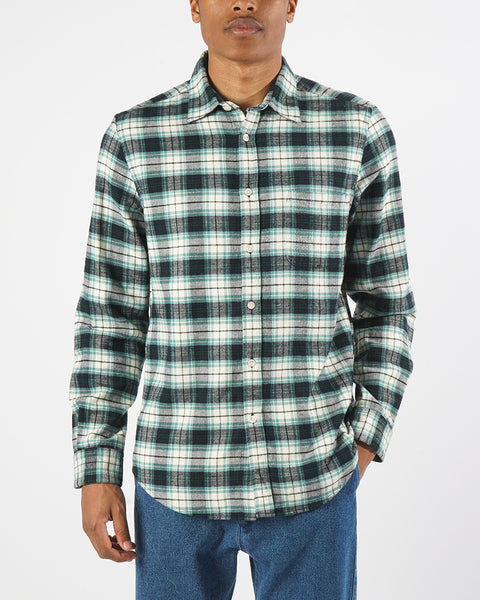 flannel shirt green white model front