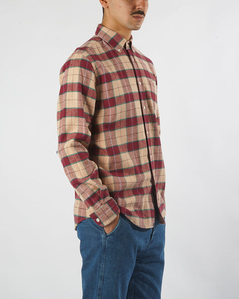 flannel shirt plaid red pink model side
