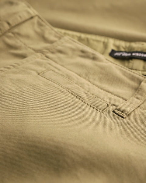 olive trousers detail pocket