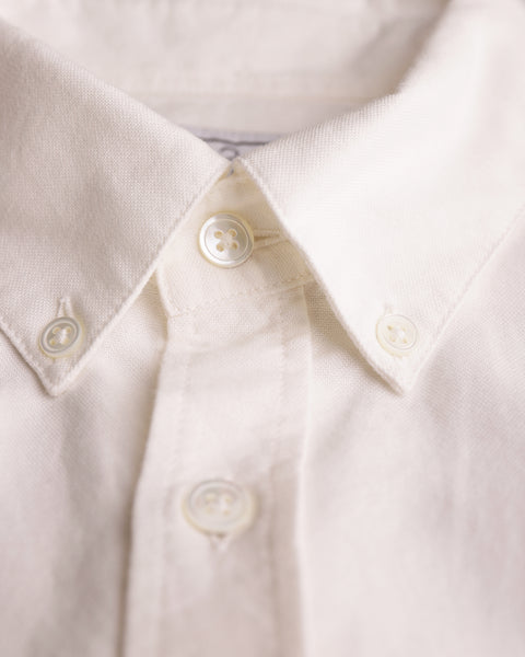 white long sleeve shirt oxford detail collar