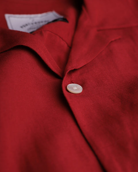 red short sleeve shirt detail button
