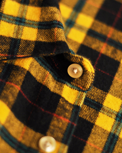 flannel shirt, black and yellow ,detail urea button