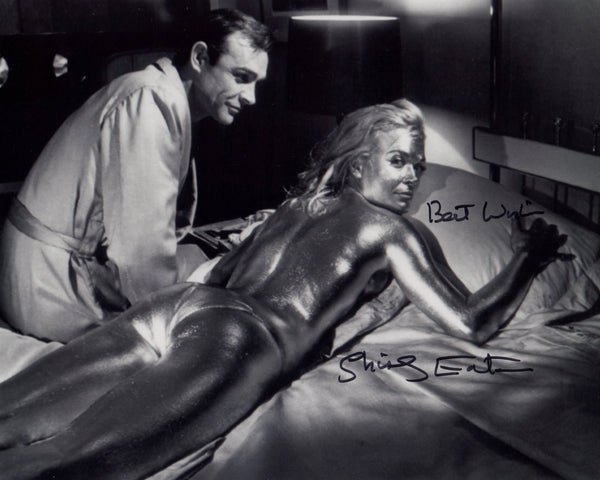 SHIRLEY EATON IN PERSON SIGNED BEHIND THE SCENES PHOTO FROM THE 1964 JAMES BOND FILM GOLDFINGER