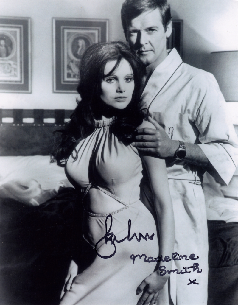 ROGER MOORE & MADELINE SMITH IN PERSON SIGNED PHOTO FROM LIVE AND LET DIE