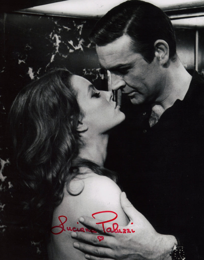 JAMES BOND GIRL LUCIANA PALUZZI IN PERSON SIGNED PHOTO FROM JAMES BONDS THUNDERBALL