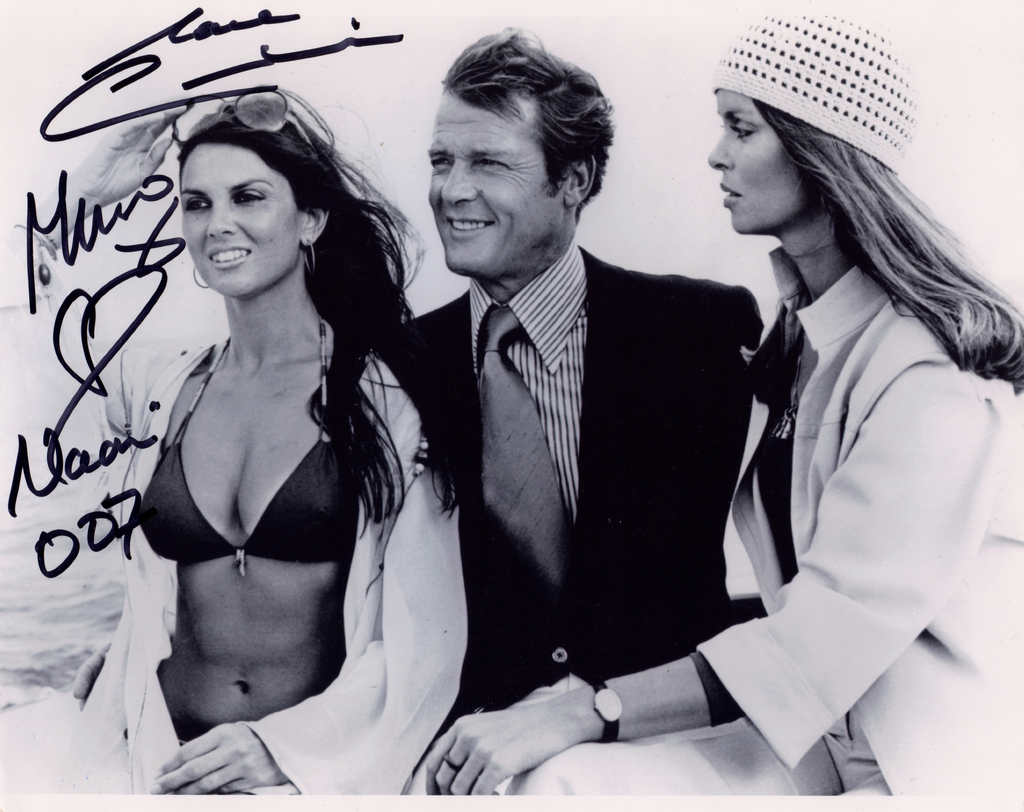 CAROLINE MUNRO JAMES BOND GIRL FROM THE SPY WHO LOVED ME IN PERSON SIGNED PHOTO