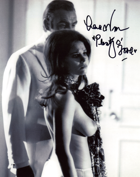 LANA WOOD JAMES BOND GIRL DIAMONDS ARE FOREVER ON SET SHOT IN PERSON SIGNED PHOTO