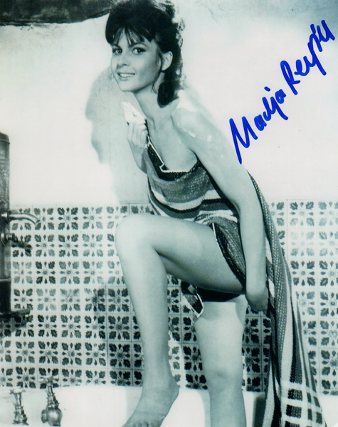 NADJA REGIN IN PERSON SIGNED PHOTO FROM THE 1964 JAMES BOND FILM GOLDFINGER