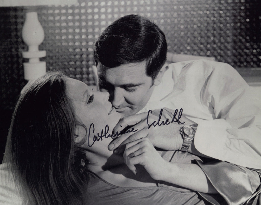 JAMES BOND GIRL IN PERSON SIGNED PHOTO CATHERINE SCHELL ON HER MAJESTY'S SECRET SERVICE