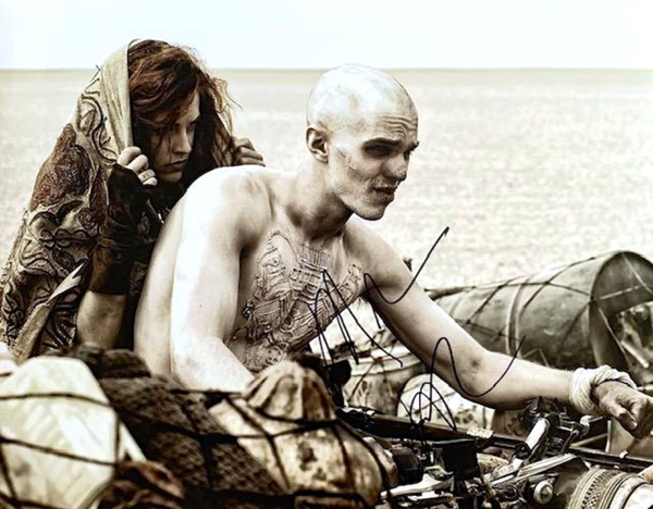 NICHOLAS HOULT IN PERSON SIGNED 11 X 14 PHOTO FROM THE 2015 FILM MAD MAX-FURY ROAD