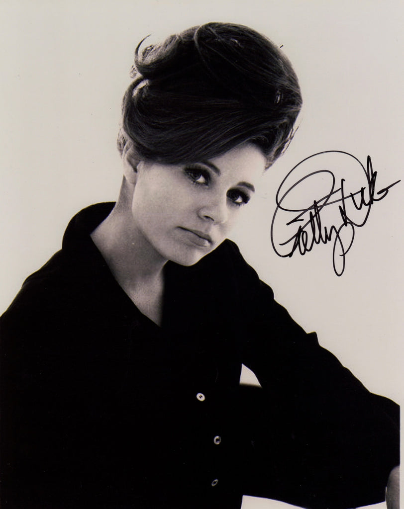 PATTY DUKE IN PERSON SIGNED PHOTO FROM VALLEY OF THE DOLLS