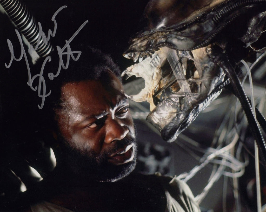 YAPHET KOTTO IN PERSON SIGNED SHOT AS PARKER FROM THE 1979 MOVIE ALIEN