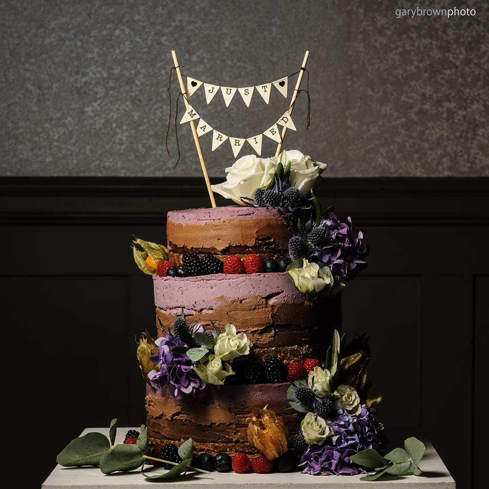 Vegan And Gluten Free Wedding Cake Ideas Alternative: Laurianne's Raw Cakes