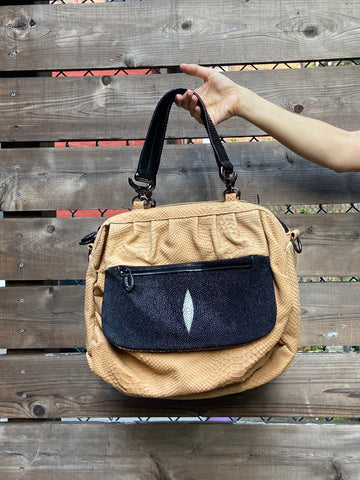 ROJIKA SHOULDER BAG
