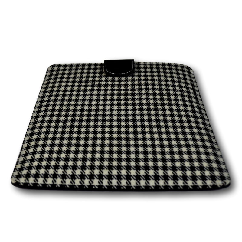Tablet / iPad Cover - Pepita (vintage)