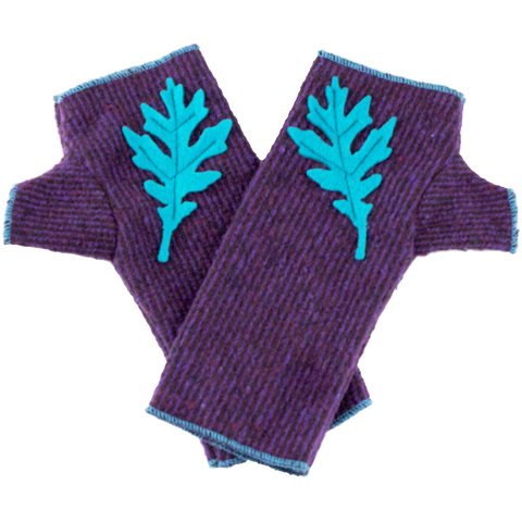 Kid's wristwarmers purple color with blue leaf detail