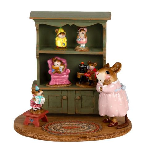 "Wee Forest Folk M-674 ""Collectors Curio"""