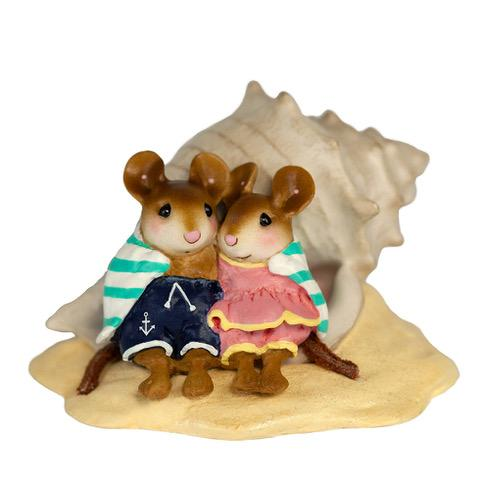 "Wee Forest Folk M-689 ""Shell-tering Together"""