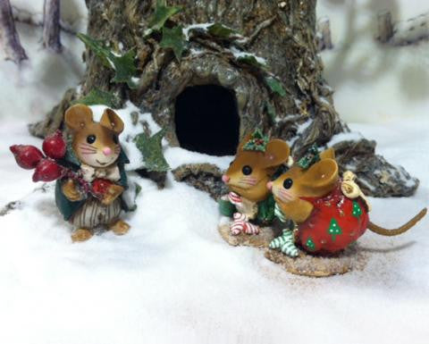"Wee Forest Folk NM-5 ""Elegant Mr. Nibble"""