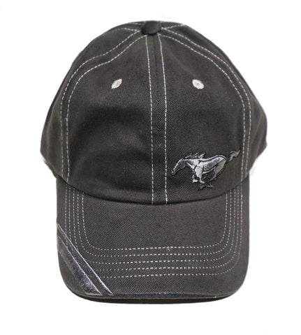 Mustang hat with small running horse