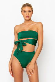 Sommer Swim model facing forwards and wearing a Sienna high waisted bikini bottom in Emerald