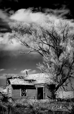 Ol Homestead Black and White Artist: Bob Callender - Bob Callender Fine Art oil and gas art