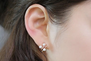 IOTC Shin Kyung Pearl Lattice Earrings (Model View)