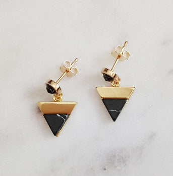 Curatelier Charity Black Marble Inverted Triangle Stud Earrings