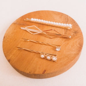 Curatelier Macie Pearl Hair Barrette Gold Bobby Pins Set of 4