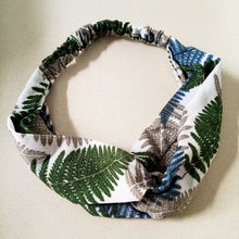Load image into Gallery viewer, Curatelier Penelope Tropical Island Headband in White