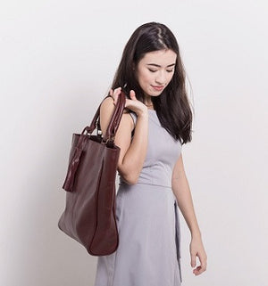 Velle Natasha Everyday Genuine Calf Leather Tote Bag in Oxblood (Model View 3)