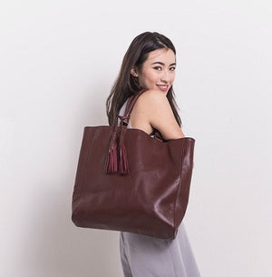 Velle Natasha Everyday Genuine Calf Leather Tote Bag in Oxblood (Model View 2)