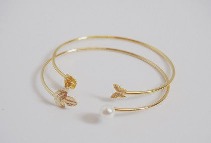 IOTC Leaf Pearl Slim Bangle (Front View)