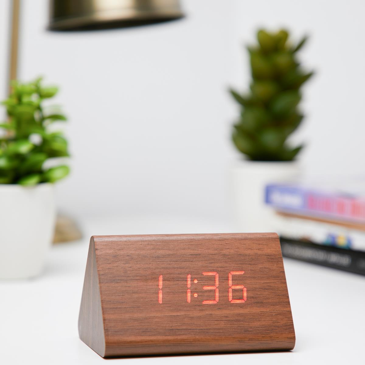 Checkmate LED Wood Tri Bar Desk Clock Red 12cm VGY 828R 11