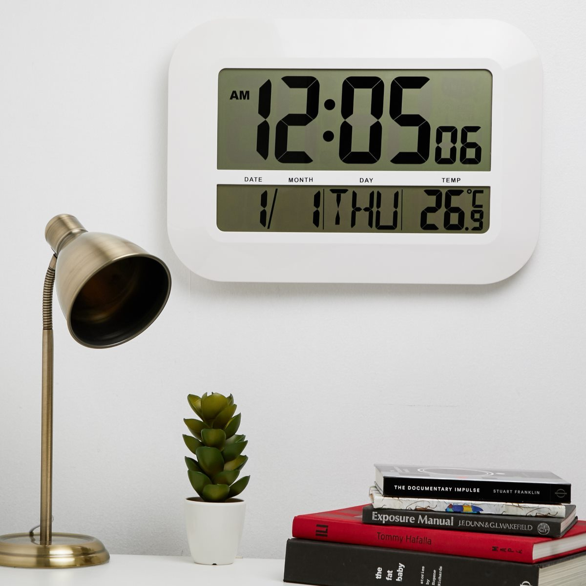 Checkmate Pearson Jumbo LCD Calendar Temperature Wall Clock 46cm VGW 809 Size