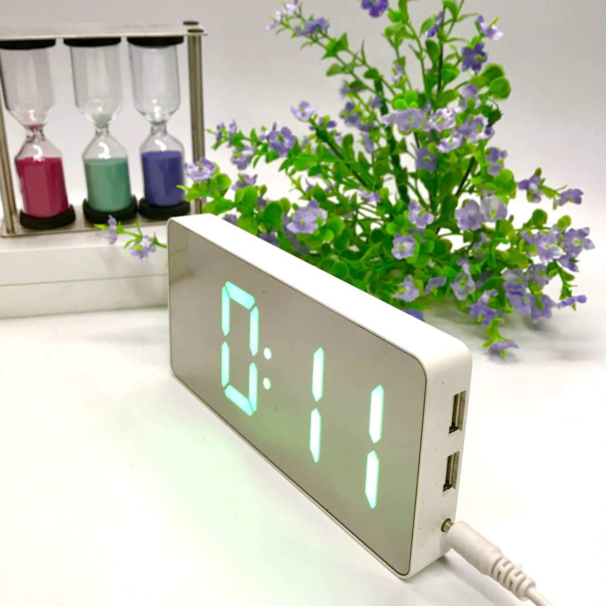 Checkmate Hector Mirror Face LED USB Charging Alarm Clock Green 16cm VGW-3322-GRE 2