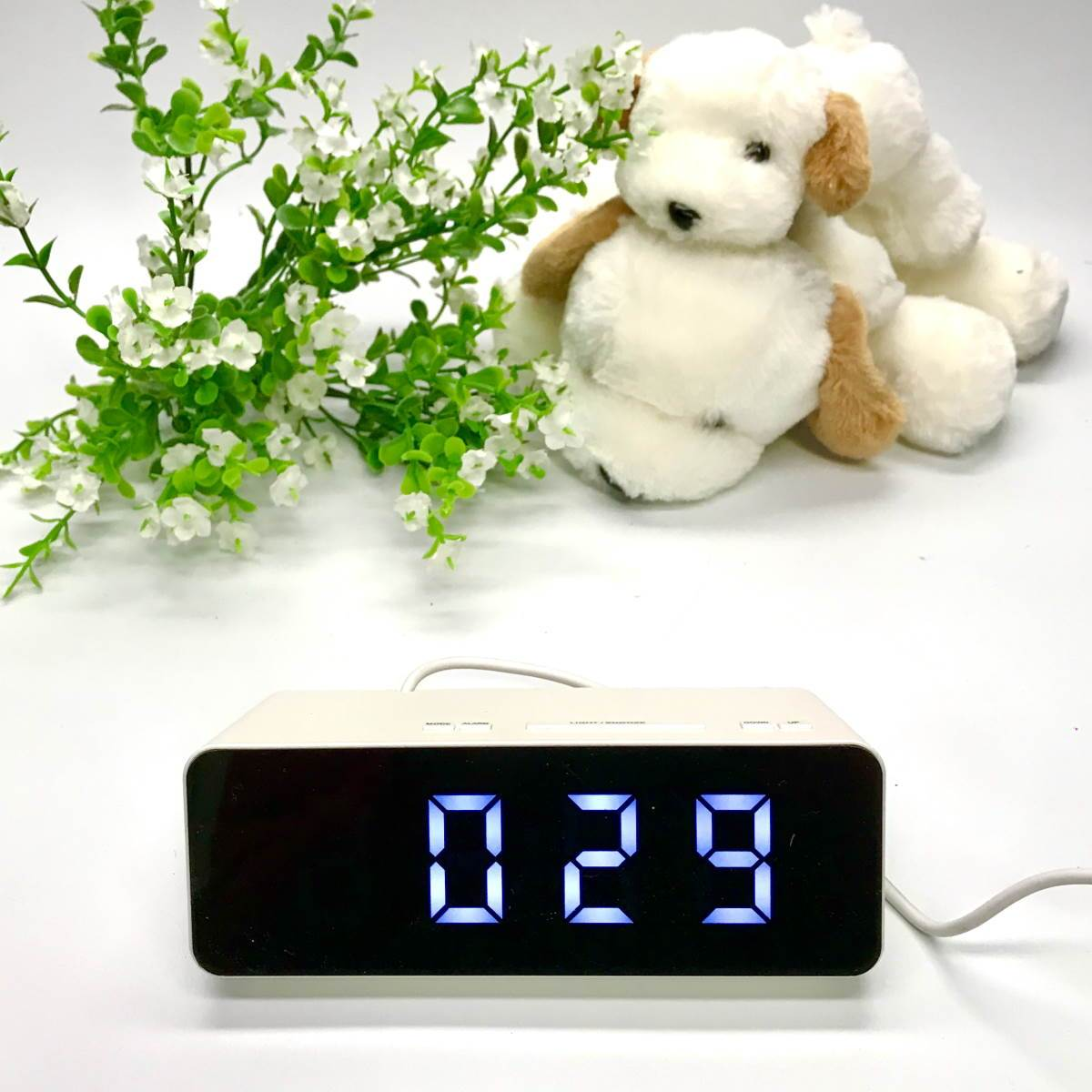 Checkmate Holland Multifunction Digital Alarm Clock White 16cm VGW-8211-WHI 1