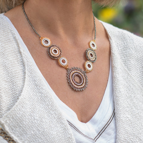 Circular 3 bead necklace