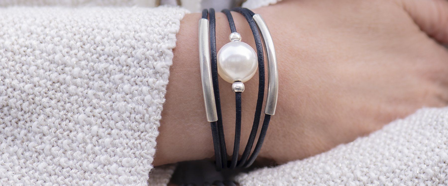 Pearl & Leather Bracelet