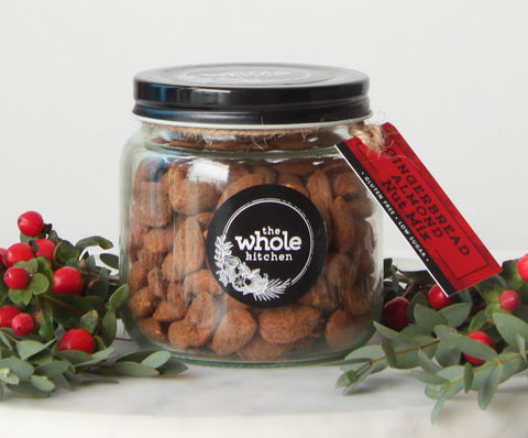 GINGERBREAD ALMONDS NUT MIX GIFT JAR
