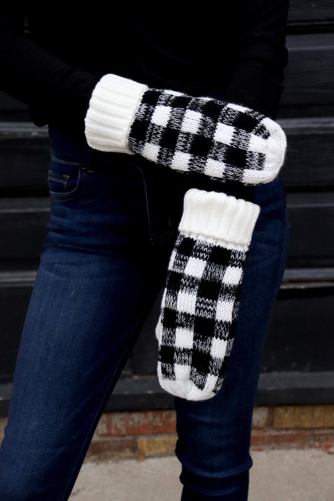 Black & White Mittens Fleece Lined