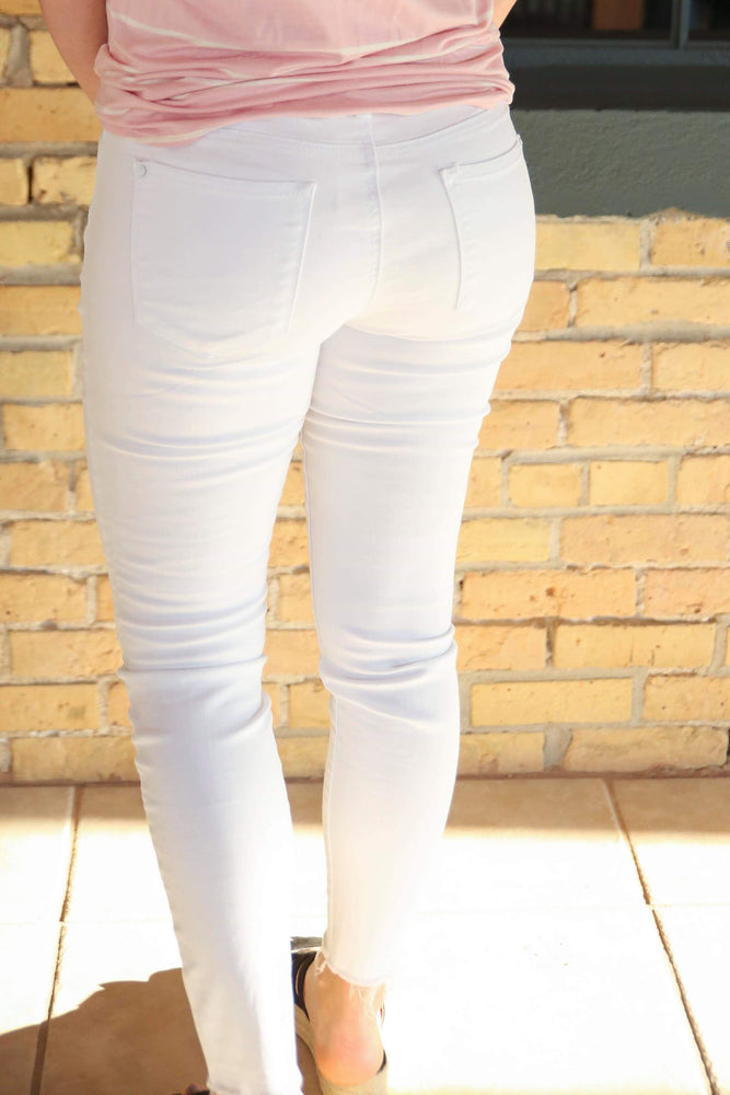Judy Blue White Mid-Rise Skinny Jeans