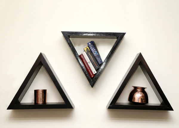 Triangular Wall Shelves - Vilaasita