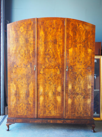 Edwardian Bookmatch Veneer Very Large Three Door Wardrobe - erfmann-vintage
