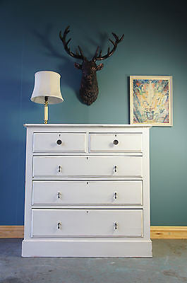 Vintage Shabby-Chic White Painted Pine Chest of Drawers. - erfmann-vintage