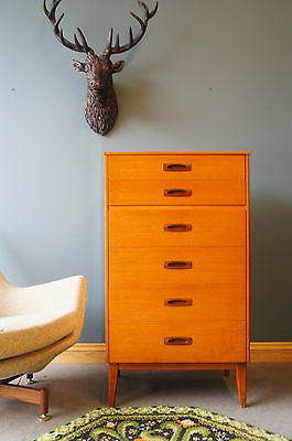 Vintage Danish Style Teak Chest of Drawers. - erfmann-vintage