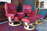 A Pair of Contemporary 'Stressless' Red Leather Reclining Armchairs with matching Footstools - erfmann-vintage