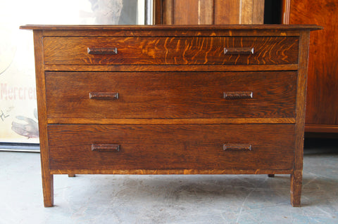 Early 20th Century Mission Style Solid Oak Chest of Drawers - erfmann-vintage